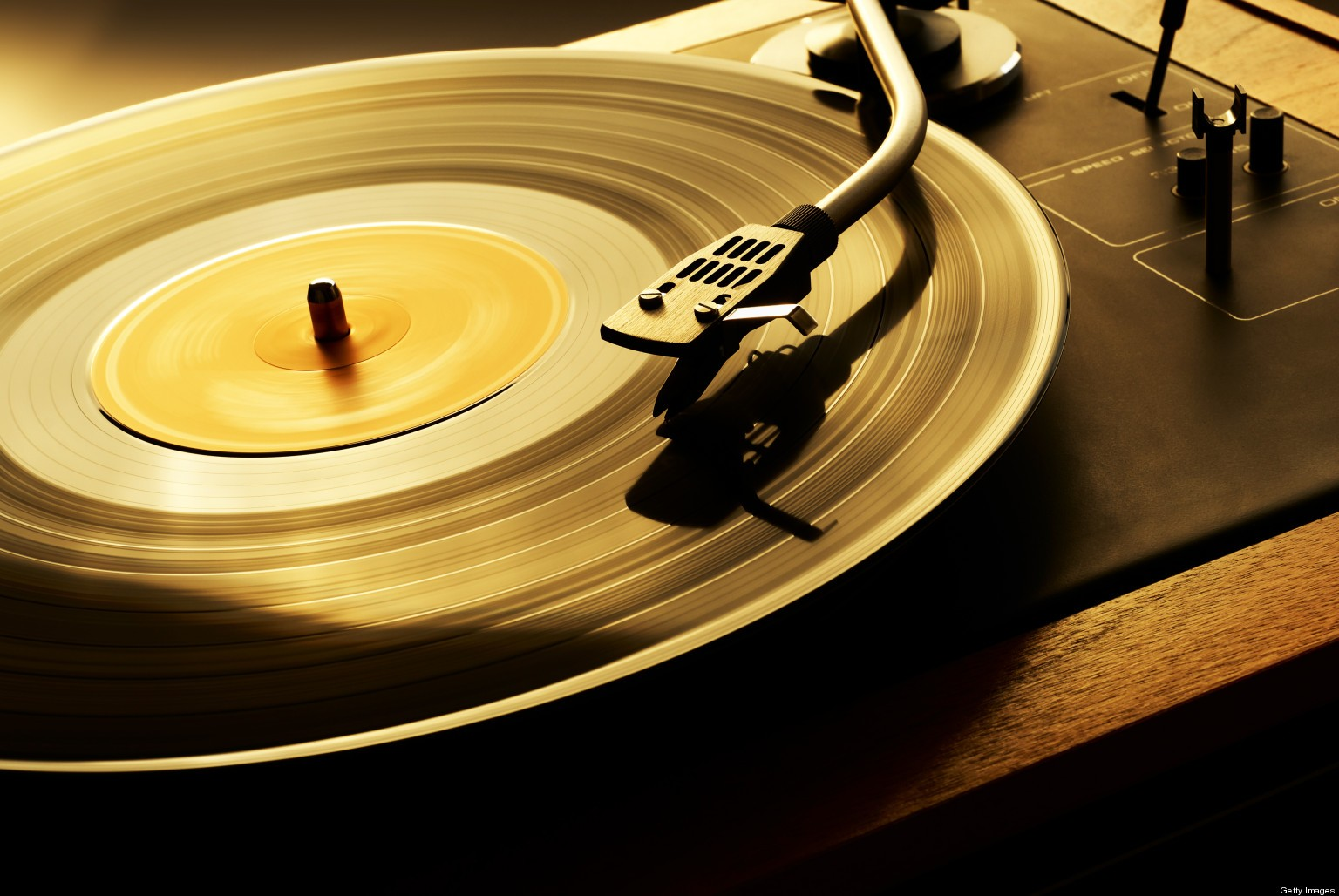 Play-Vinyl-Player-Wallpaper-00944